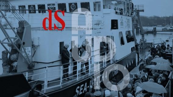 'Er is wél plaats.' Tientallen Duitse organisaties en burgers kochten samen een boot om vluchtelingen op zee te redden