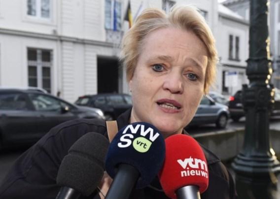Minister Muylle: 'Elke reiziger moet gsm-nummer nalaten, voor het geval hij in quarantaine moet'
