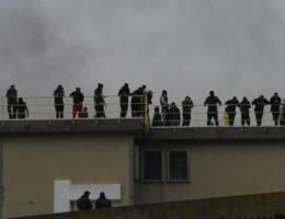 Gedetineerden nemen gevangenis over in Italië, bewakers zijn gevlucht
