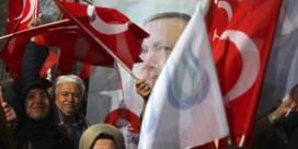 Hoe Erdogan links in een spreidstand dwingt