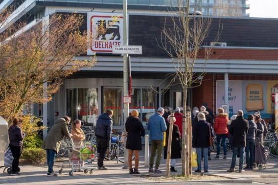 65-plussers krijgen voorrang in Delhaize-winkels: 'We zijn voor één keer VIPS. Zalig toch?'