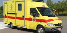 Kind (5) sterft bij tragisch ongeval: jongetje valt uit tractor van vader en wordt overreden