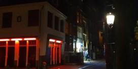 Ook Amsterdammers applaudisseren voor medisch personeel