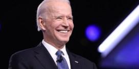 Biden verplettert Sanders, maar corona houdt Bernie in de strijd