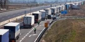 Bijna 100 kilometer file aan Hongaars-Slovaakse grens