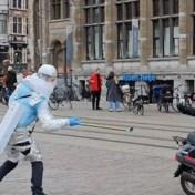 Gentse superheld 'one meter man' gaat wereld rond met ludiek filmpje