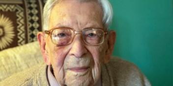 Oudste man ter wereld moet verjaardagsfeest afblazen door coronacrisis