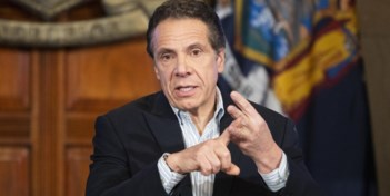 Strijdvaardige gouverneur New York pakt Amerikanen in