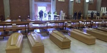 Priester in Bergamo moet begrafenissen aan lopende band doen