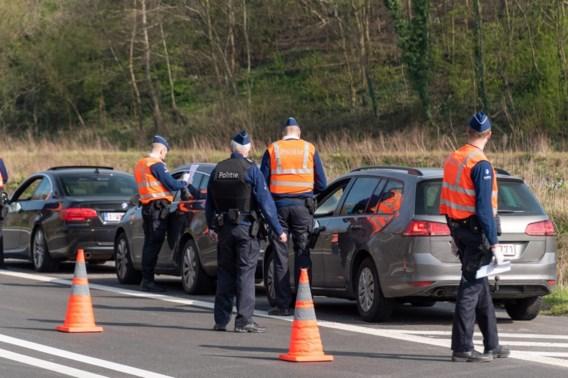 Gentse politie geeft 19.000 euro aan coronaboetes op drie dagen tijd: 'Mensen blijven feestjes en barbecues organiseren'