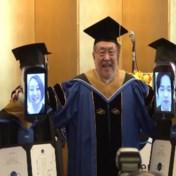 Japanse studenten ontvangen diploma via robots