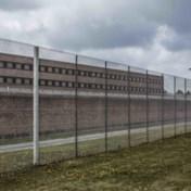 Duizend gevangenen minder door corona