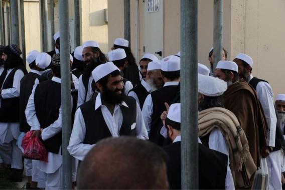 Afghanistan laat opnieuw honderd leden van taliban vrij uit gevangenis