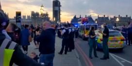 Verontwaardiging na applaus voor zorg op overvolle brug in Londen
