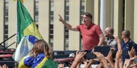 Braziliaanse president Bolsonaro demonstreert zelf mee tegen coronamaatregelen