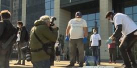 Actie van mensen zonder papieren loopt uit de hand: demonstranten slaags met politie