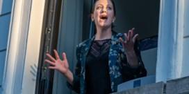 Operazangeres zingt elke avond op balkon voor haar Gentse buren