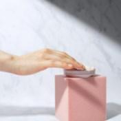 Eerste hulp bij stukgewassen handen