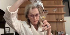 Meryl Streep zingt in kamerjas met cocktail voor Broadway-componist