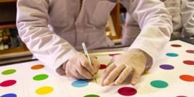 Kunstcollectief snijdt werk Damien Hirst in stukken en verkoopt losse delen