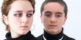 Waarom dat zo lang duurt in de badkamer: tieners over hun make-up-rituelen