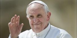 Paus schenkt fondsen aan transgendergemeenschap
