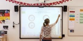 Weyts wil leerkrachten al na één jaar vast benoemen