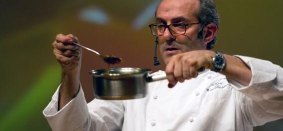 Italiaanse sterrenchef met huisarrest is hit op Instagram: 'Dit is géén masterclass koken'