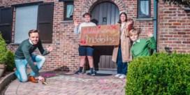 Familie Van Ranst bezorgt grootmoeder 'mooiste Moederdag ooit'