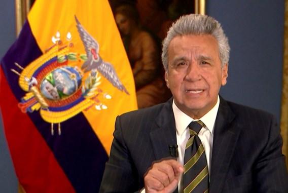 President van Ecuador halveert zijn loon en dat van alle ministers