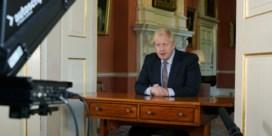 Johnson onder vuur voor versoepeling en 'vage slogan'