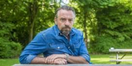 Tom Waes boos op asociale klanten in supermarkt