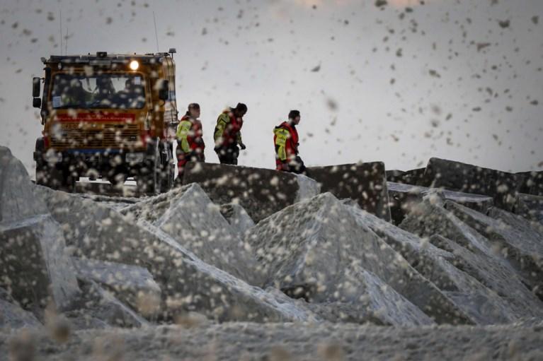 Onderzoek naar dik pak zeeschuim na dood ervaren surfers