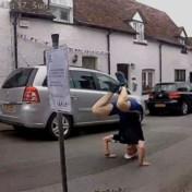 Voorbijgangers zetten onnozelste beentje voor in 'silly walks'-zone