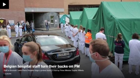 'Krachtig' protest aan ziekenhuis tegen Wilmès gaat wereld rond