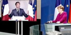 Macron is een poot van zijn troon kwijt