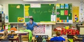 Van experts mogen alle kinderen onder twaalf weer naar school
