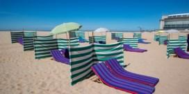 Gouverneur Decaluwé vreest stormloop naar de kust: 'We zetten onze zomer op de helling'
