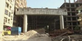 Egypte bouwt viaduct vlak naast woonblokken