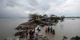 Cycloon raast over India en Bangladesh