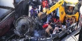 Vliegtuig neergestort op woonwijk in Karachi