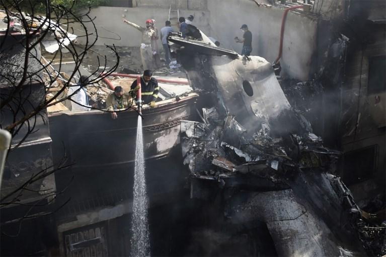 Man die vliegtuigcrash in Pakistan overleefde: 'Ik zag alleen maar rook en vuur'