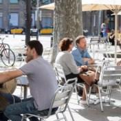 LIVEBLOG. Epidemioloog Van Damme over heropening cafés: 'Virus houdt van feesten'