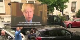 Opvallend protest tegen rechterhand Boris Johnson