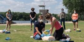 Hoe iemand redden met risico op besmetting? 'Mond-op-mond is uit den boze'