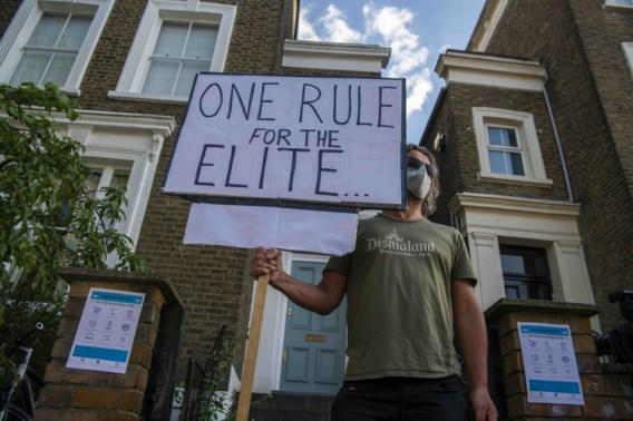 Brits regeringslid stapt op uit ongenoegen met topadviseur Johnson