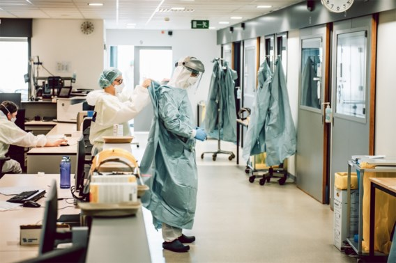 Minder dan 200 besmettingen, alle trends blijven dalen