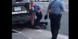 Agent die knie op nek van George Floyd zette, is aangehouden voor doodslag