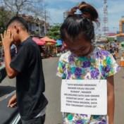 LIVEBLOG. In Indonesië worden overtreders openlijk voor schut gezet