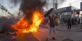 Verenigde Staten staan in lichterlaaie, Trump gooit olie op het vuur